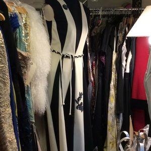 Dresses & Skirts - Vintage black white creme delight gown